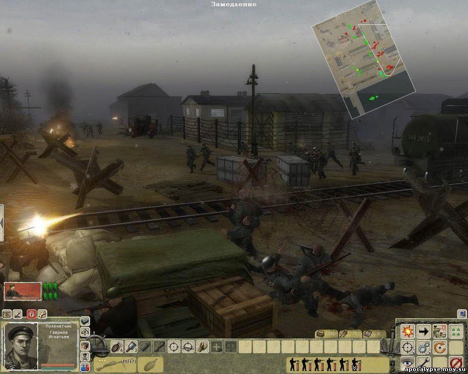 Бешеная контратака немцев в Феодосии. Враги не всегда так яростно лезут на наши пулеметы, иногда они действуют очень коварно. Но с какой жуткой реалистичностью показана работа станкового пулемета, бьющего вупор!